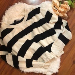 Divided H&M Black Ivory striped cropped sweater M